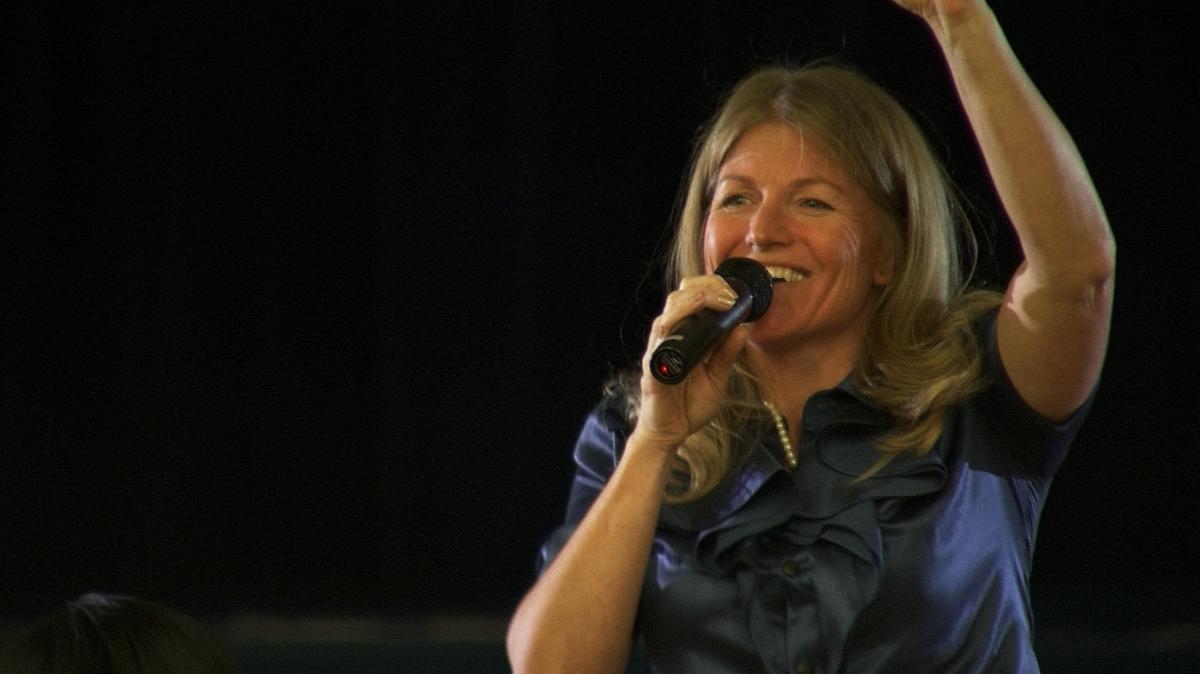 Professional Keynote Speaker Annie Crawley