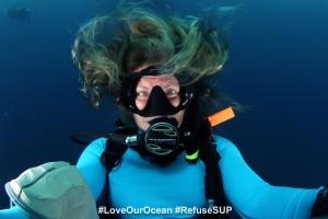 Annie Crawley Underwater Selfie
